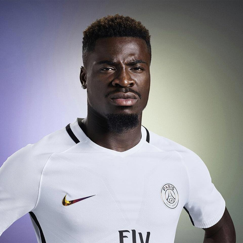 Serge Aurier Photos Et Images De Collection: Aurier Condamné à Deux Mois De Prison