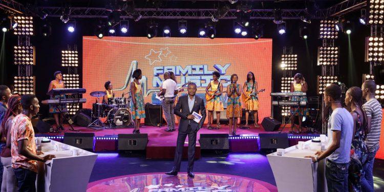 family-music-show
