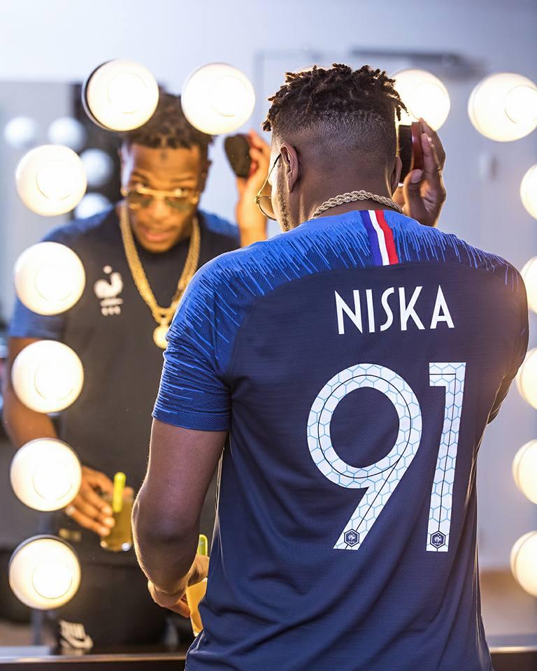 Nike et la FFF présentent les nouveaux maillots des Bleus