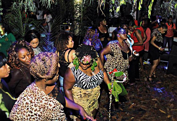 La Jungle bouillonne de belles proies.