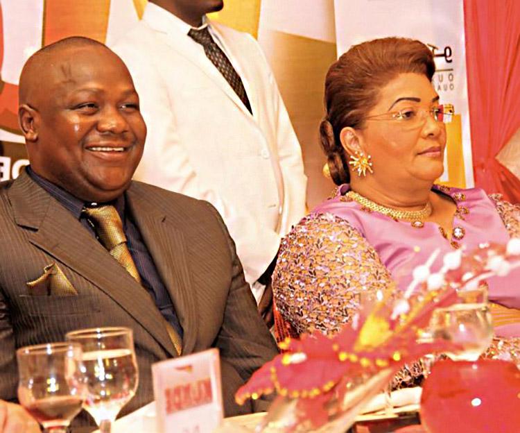 Le patron des Kundé, Jah Press, aux côtés de la marraine, Chantal Compaoré.