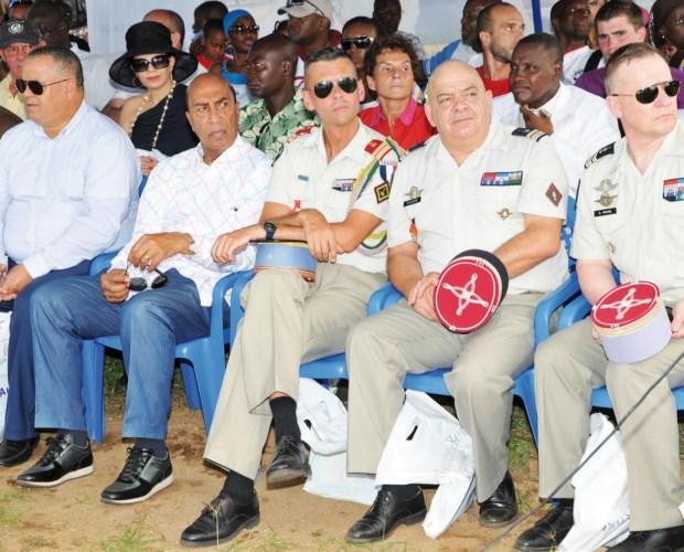 L'ambassadeur Georges Ouégnin est venu soutenir l'initiative en compagnie d'autres officiels étrangers