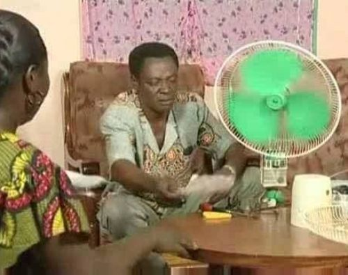 Andre-bougouma-dit-tonton-brama-comedien-scenariste-bobodiouf-burkina-faso