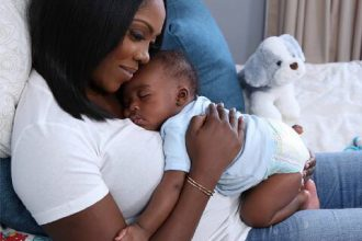 tiwa savage et son bébé
