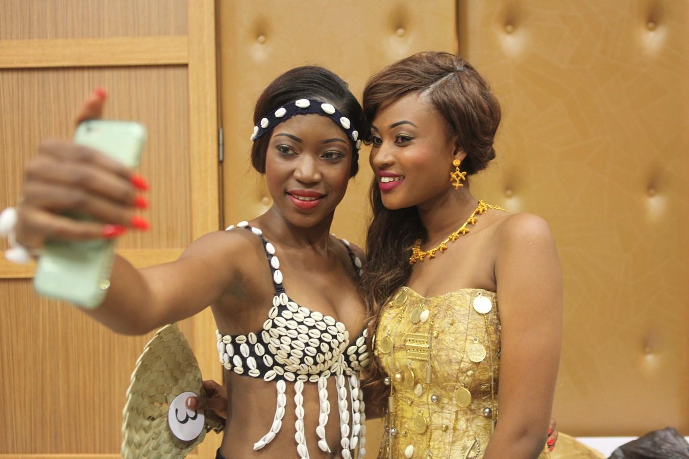 Instant selfie entre Fatima et Felicia.