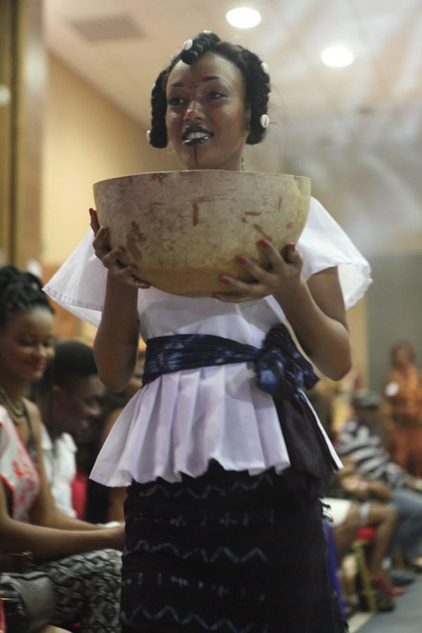 Tenue traditionnelle peulh.