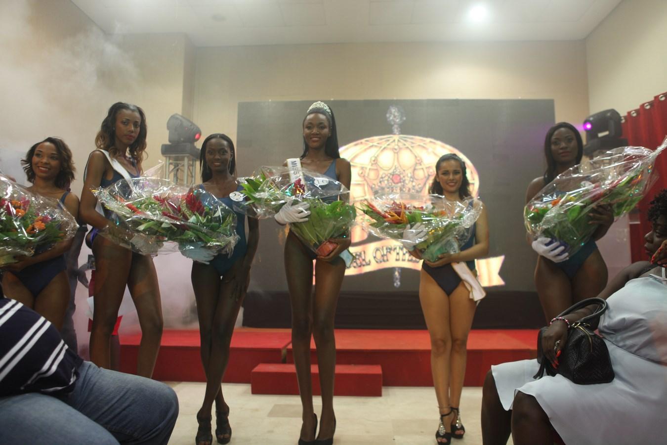 Mandjalia Gbané et ses dauphines.