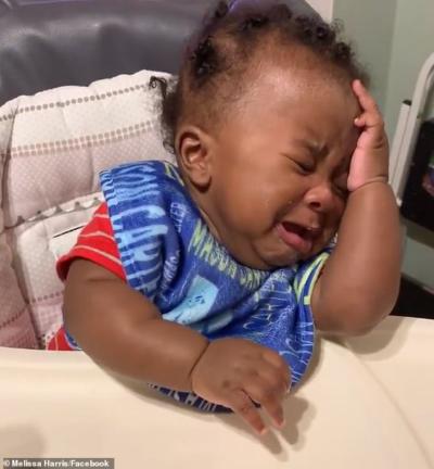 bébé en pleurs