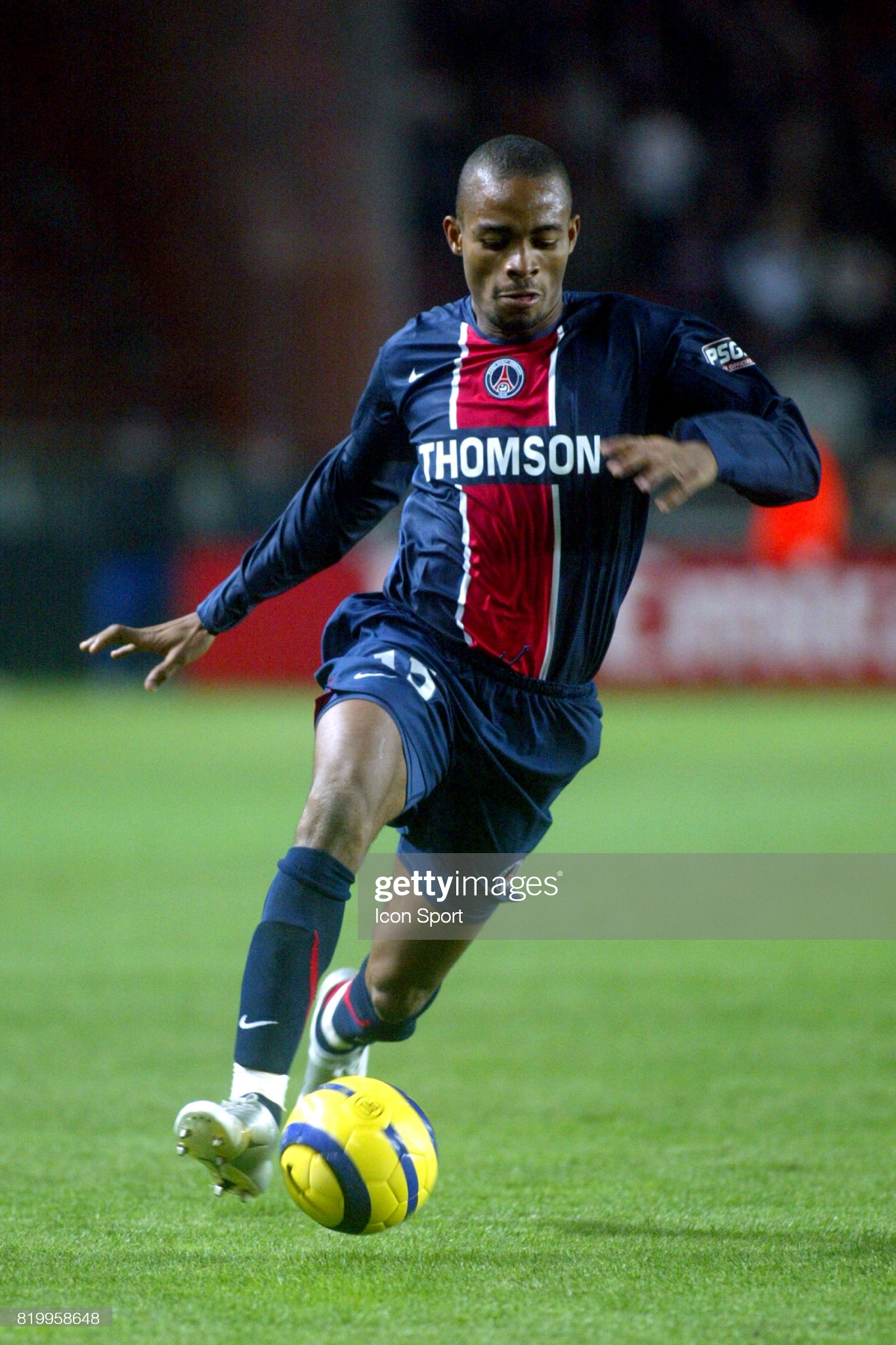 Bonaventure KALOU - 06.11.05 - PSG / Monaco - 14e journee Ligue 1,    (Photo : Olivier Andrivon / Icon Sport via Getty Images)