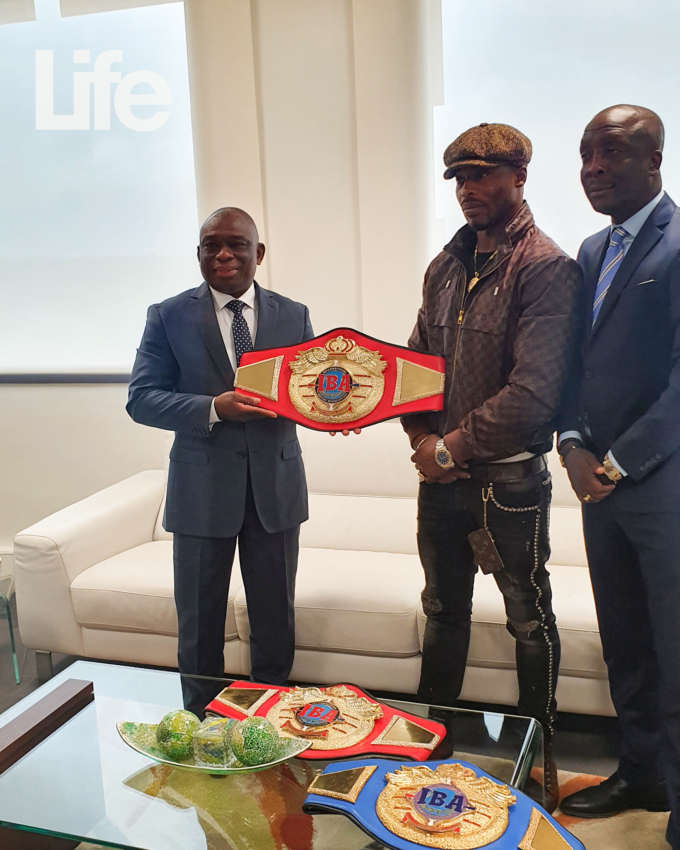 Boxing: Youssouf Doumbia received in audience by the Minister of Reconciliation Kouadio Konan Bertin